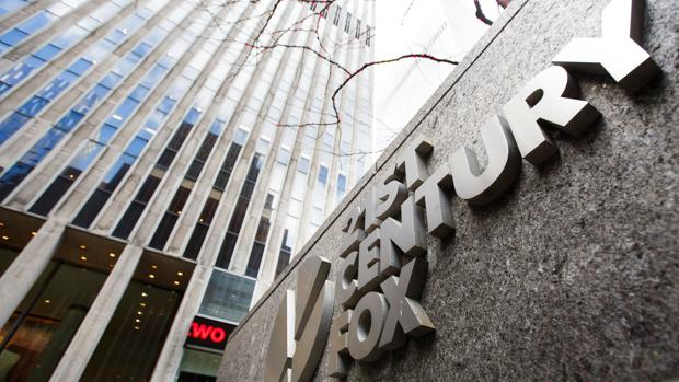El rótulo de 21st Century Fox en sus oficinas