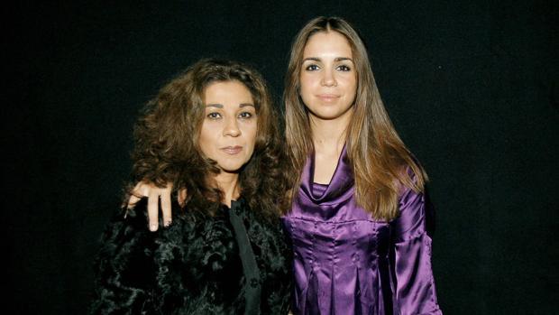Lolita y Elena Furiase, en una foto de archivo