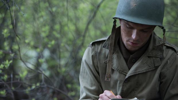 Nicholas Hoult en la película «Rebelde entre el centeno»