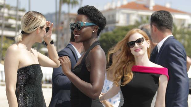 Marion Cotillard, Lupita Nyong'o y Jessica Chastain pasean por Cannes