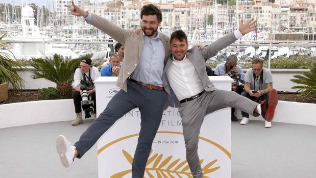 Raúl de la Fuente y Damian Nenow, directores de «Un día más con vida», en Cannes