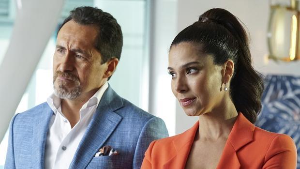 «Grand Hotel». Demian Bichir y Rosalyn Sánchez
