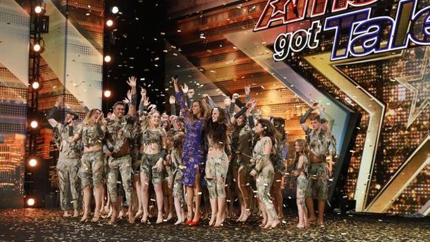 El grupo de baile Zucaroh ya ha triunfado en las ediciones francesa y americana de «Got Talent»