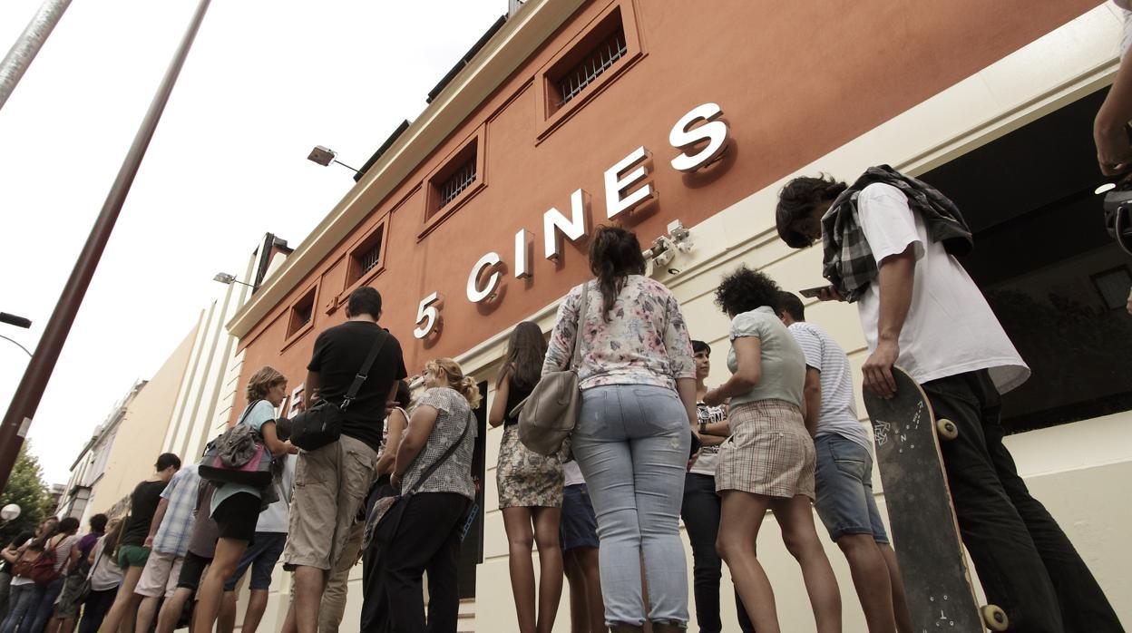 Entradas cine baratas iva entre 40 y 90 c ntimos as for Cine capitol precio entrada