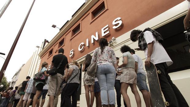 Entradas cine baratas iva entre 40 y 90 c ntimos as for Cartelera avenida sevilla