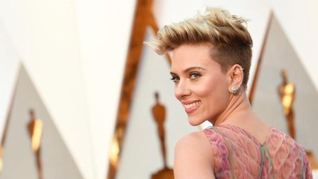 Scarlett Johansson en la alfombra roja de los Premios Oscar 2017
