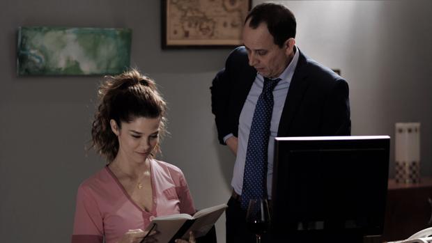 Escena de «Jefe», con Luis Callejo y Juana Acosta