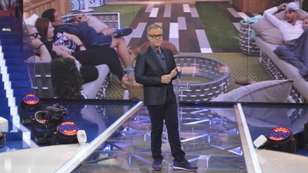 Jordi González presentando «Gran Hermano VIP»