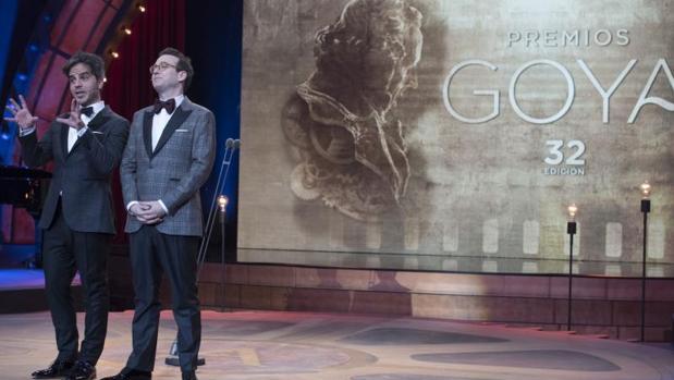 Ernesto Sevilla y Joaquin Reyes durante los Goya 2018