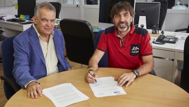 Ángel Astudillo, codirector de ICM y Pedro Touceda, director de FIBABC