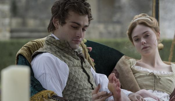 Elle Fanning y Douglas Booth en «Mary Shelley»