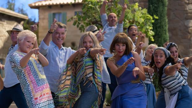 Los protagonistas de «Mamma Mia: Una y otra vez» tras un número musical