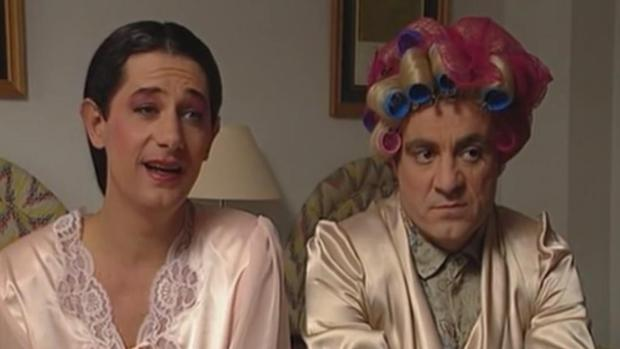 Josema Yuste y Millán Salcedo imitando a Isabel Pantoja y Encarna Sánchez