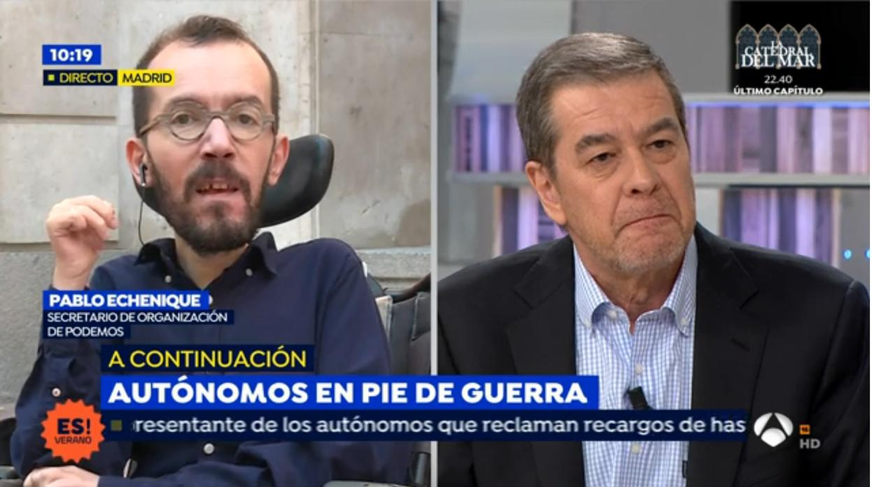 Pablo echenique ataca a los periodistas de espejo p blico for Antena 3 espejo publico hoy