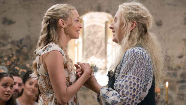 Amanda Seyfried con Meryl Streep en «Mamma Mia,:Una y otra vez»