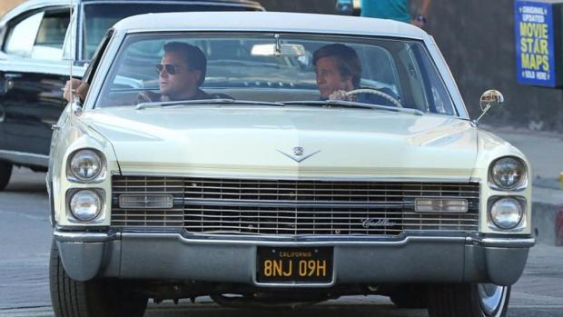 Leonardo DiCaprio y Brad Pitt, durante el rodaje