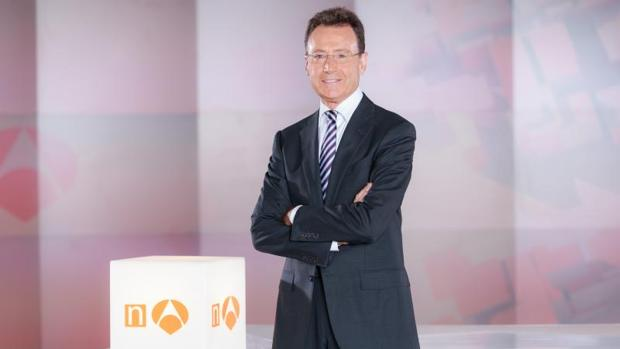 Matías Prats es el presentador habitual de las ediciones de fin de semana de «Antena 3 Noticias»