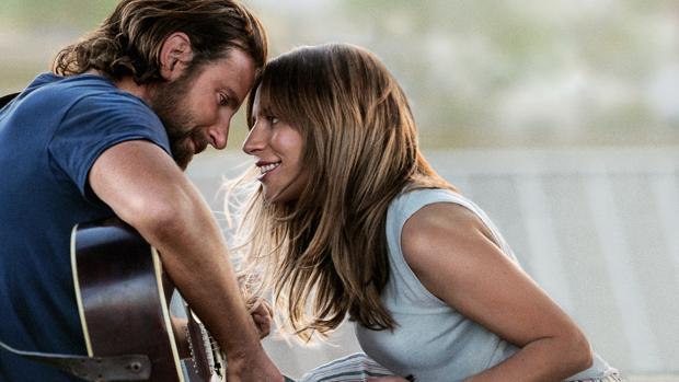 Lady Gaga y Bradley Cooper, sobredosis de amor en «Ha nacido una estrella»