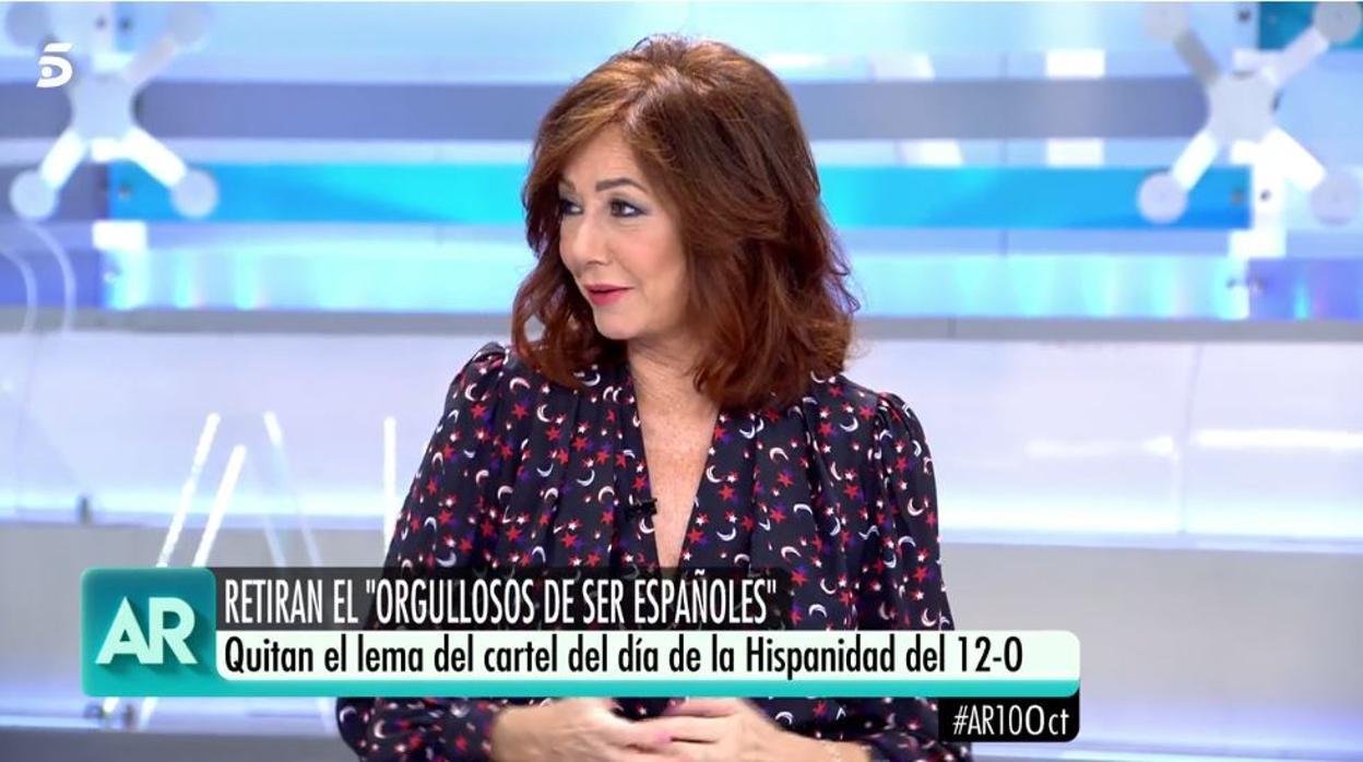 Ana Rosa Quintana se enfrenta a una colaboradora para defender la bandera de España