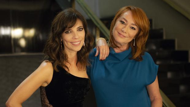 Gracia Querejeta, junto a Maribel Verdú, en la premier de «Ola de crímenes»