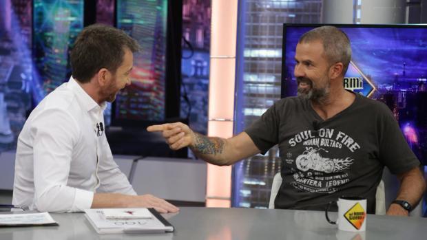 Pablo Motos y Pau Donés, en «El hormiguero»