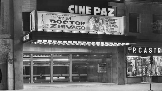 Fachada de los Cine Paz en 1966