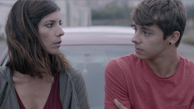 Maribel Verdú y Germán Alcarazu en «Caminan», de Mikel Rueda, (3 nominaciones)