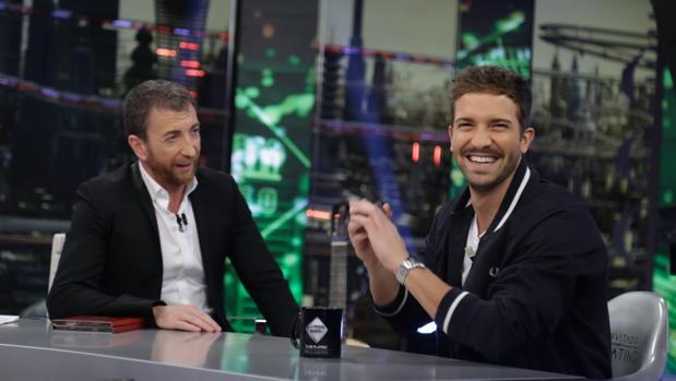 Pablo Motos y Pablo Alborán en «El hormiguero»
