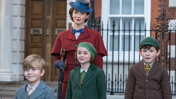 Emily Blunt y los nuevos niños Banks en «el regreso de Mary Poppins»