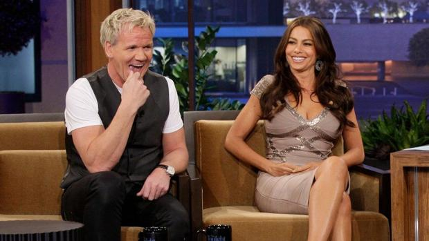 Gordon Ramsay y Sofía Vergara, en «The Tonight show with Jay Leno»