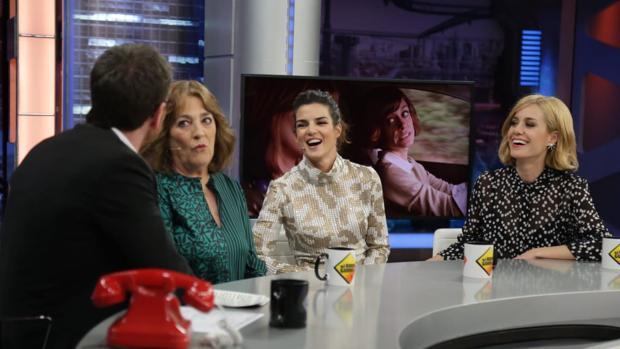 Carmen Maura, Clara Lago y Alexandra Jiménez, junto a Pablo Motos en «El hormiguero»