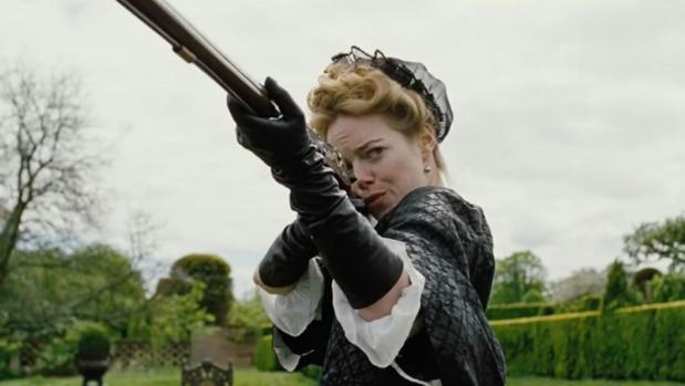 Escena de La favorita, con Emma Stone