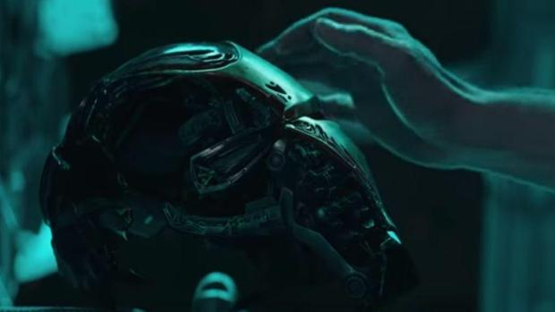 El casco de Iron Man en Vengadores: Endgame