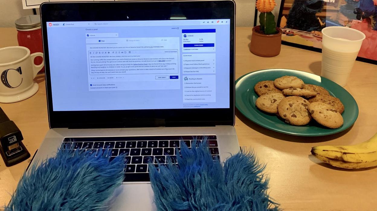 El divertido «Preguntas y Respuestas» del Monstruo de las Galletas en Reddit: «¿Hay cookies en Internet?»