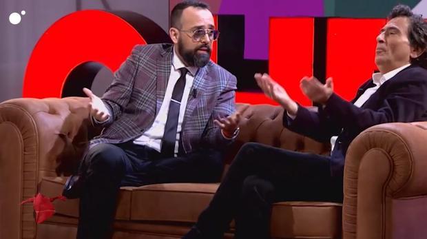 Momento de la entrevista entre Risto Mejide y Arcadi Espada