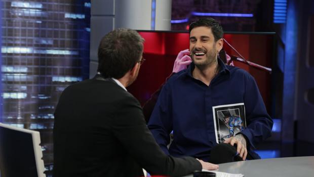 Melendi, con Pablo Motos en «El hormiguero»