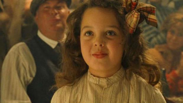 Cora Cartmell (Alexandrea Owens), en una escena de «Titanic»