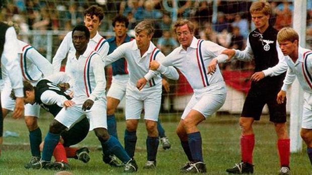 Estrellas del cine como Michael Caine o Sylvester Stallone se unieron a figuras como Pelé o Bobby Moore