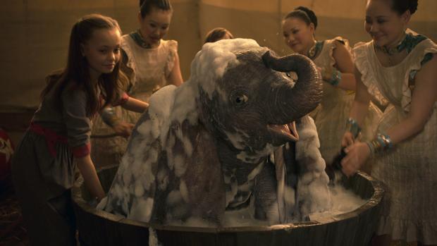 Escena del Dumbo de Tim Burton