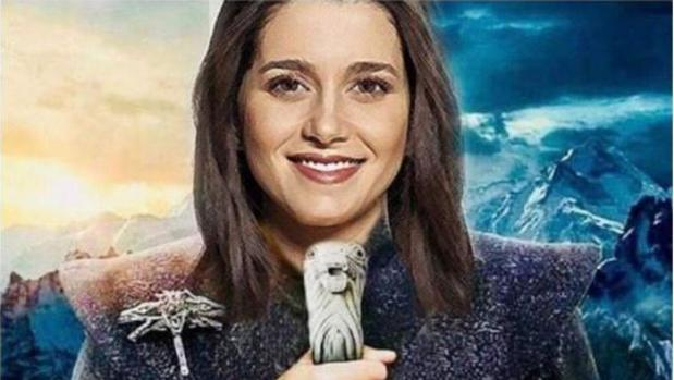 Arrimadas, caracterizada como Daenerys Targaryen