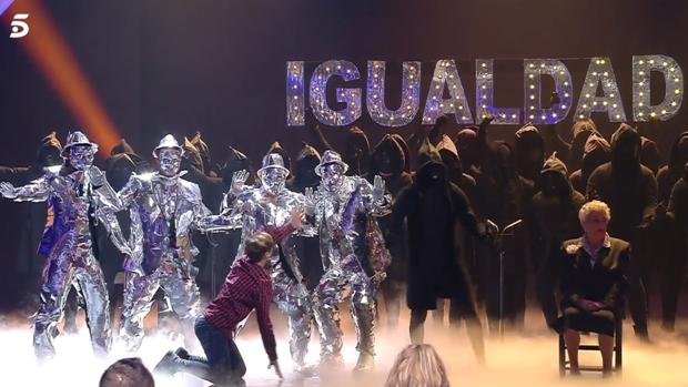El grupo de baile Murga Zeta Zetas, en «Got Talent»