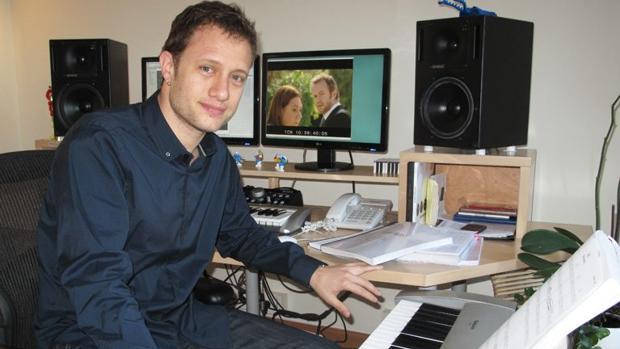 Federico Jusid en su estudio, en 2013