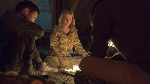Brit Marling, en una escena de la primera temporada de «The OA»