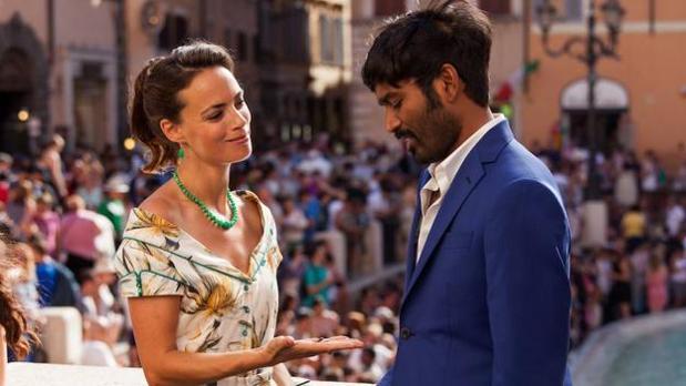 Bérénice Bejo y Dhanush protagonizan «De la India a París en un armario de Ikea»
