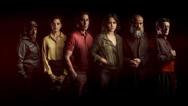 Miguel Ángel Silvestre y Megan Montaner (centro) encabezan el reparto