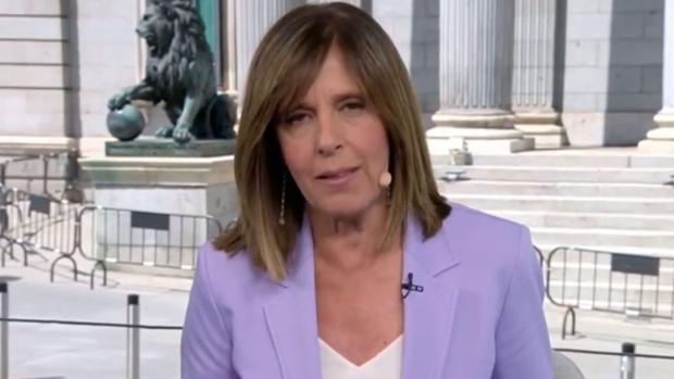 Ana Blanco pidiendo disculpas desde la Carrera de San Jerónimo, en Madrid