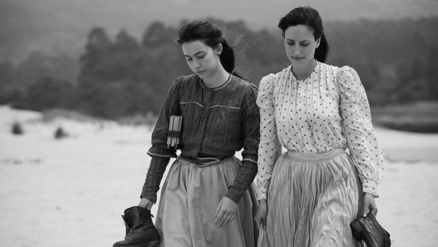 Crítica de «Elisa y Marcela»: Matrimonio sin hombre