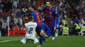 Messi da un vuelco a la Liga en el Bernabéu
