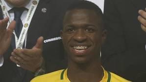 Vinicius espera al Madrid hasta 2018