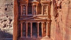 Imagen aérea de la fachada de Petra